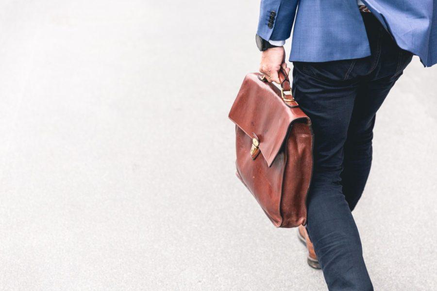 【30代】アラサー女性販売員の転職・派遣会社選び|現状にしがみつかずジョブチェンジを目指そう