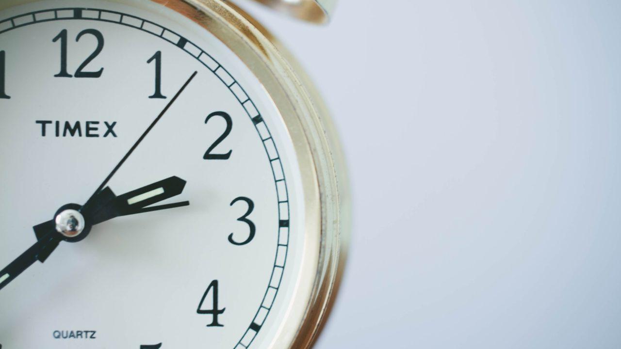 金色の時計