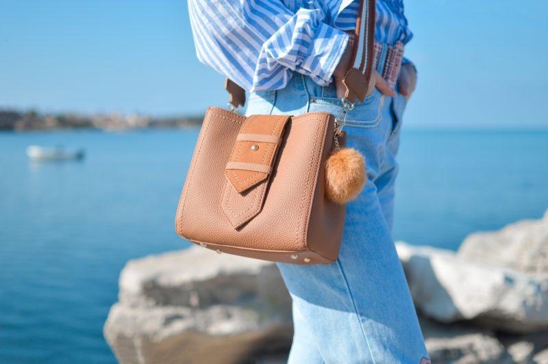 【フェイクレザー】天然より安価な合皮・人工皮革のメリットとお手入れの注意点